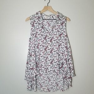 Umgee sleevless button up blouse  size M